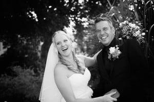 tevreden bruidspaar trouwreportage bruidsfotograaf