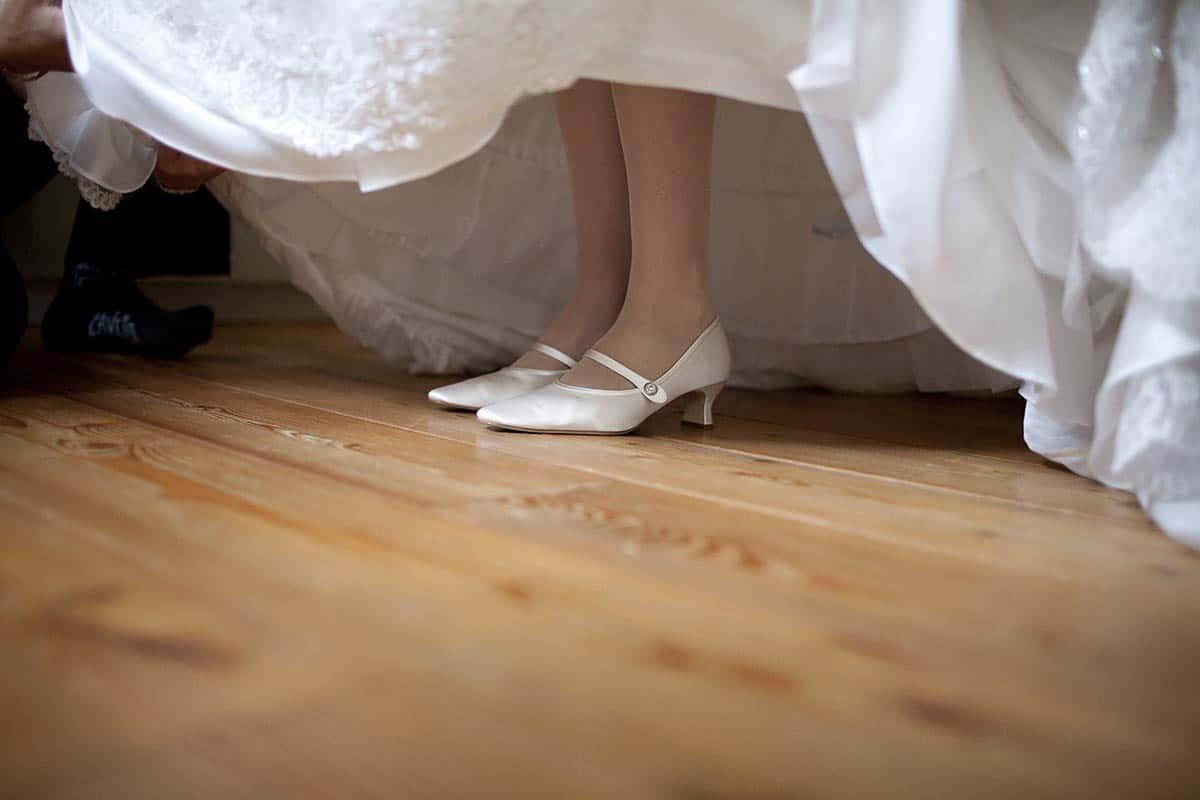 trouwen trouwschoenen schoenen trouwreportage trouwfoto