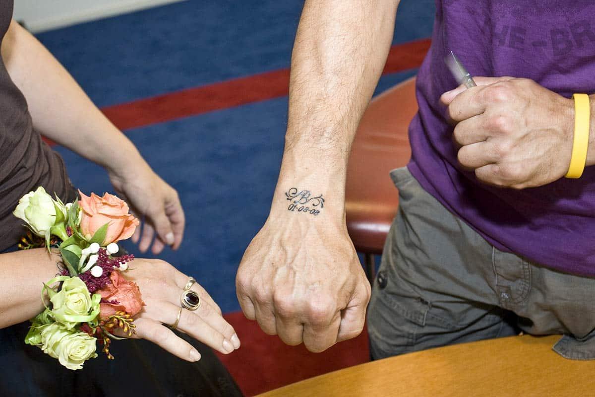 trouwen trouwfoto tattoo bruiloft ceremonie datum