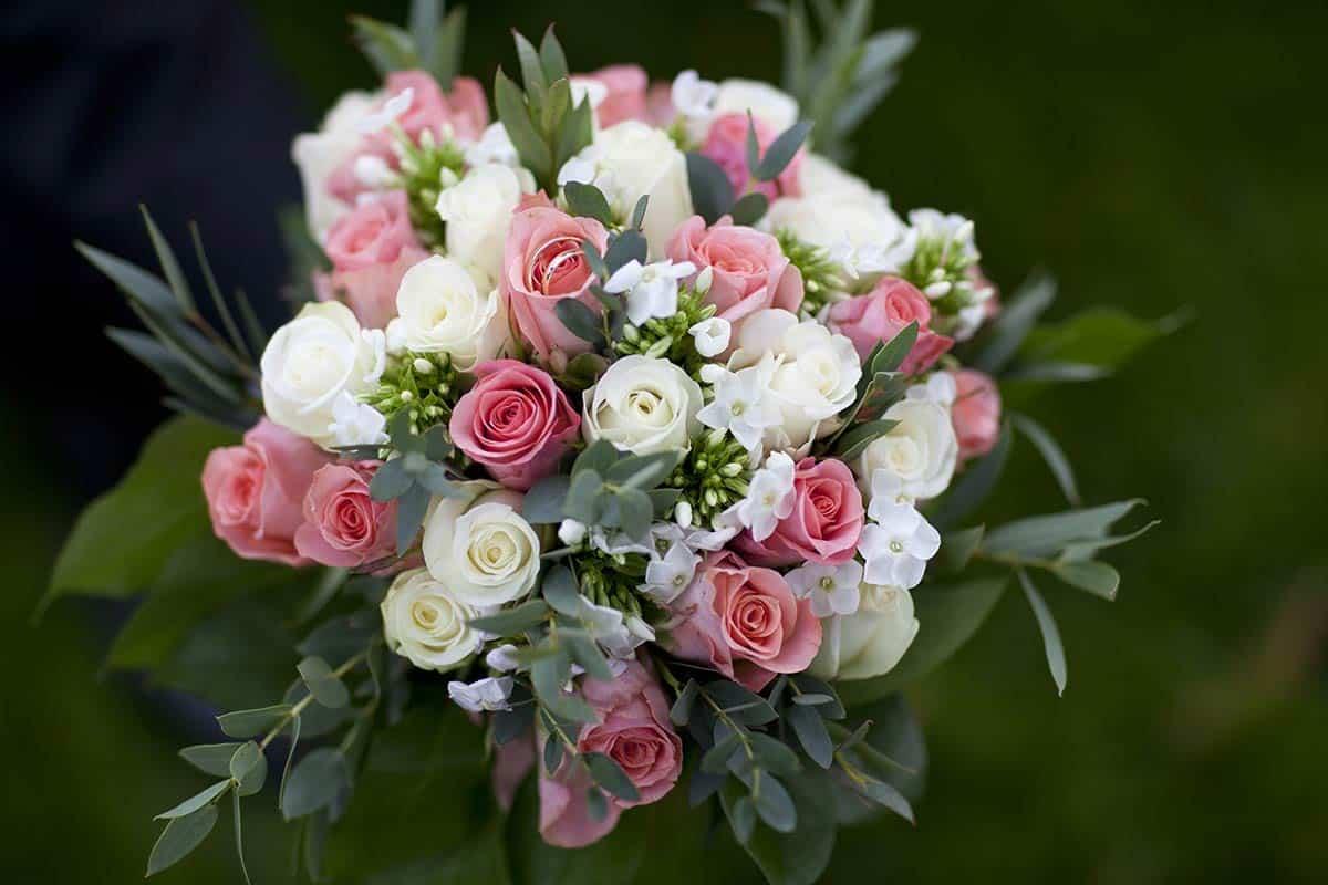 bruidsboeket bruid trouwdag trouwen trouwreportage bloemen