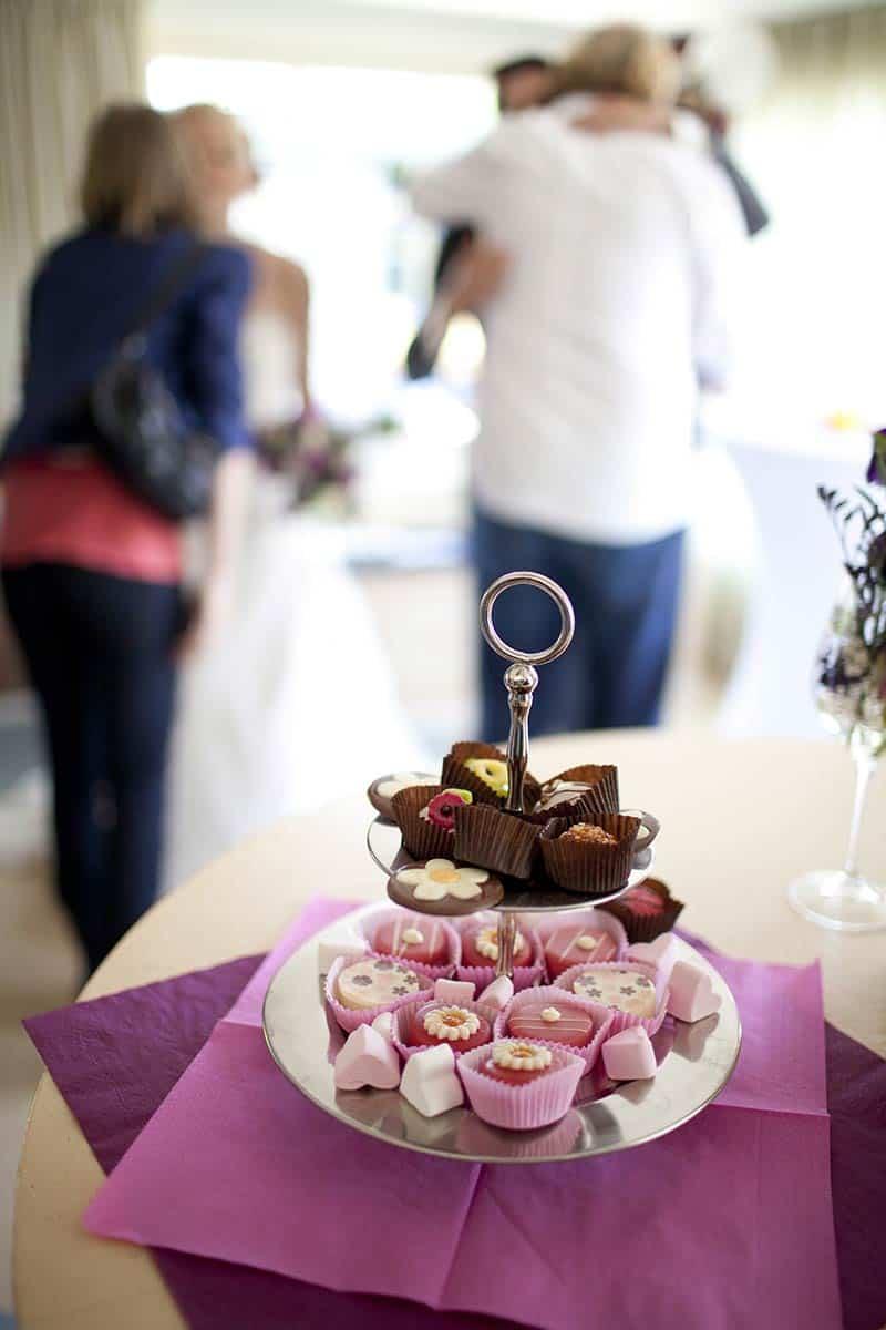 receptie bruiloft trouwdag trouwen lekker zoet trouwreportage