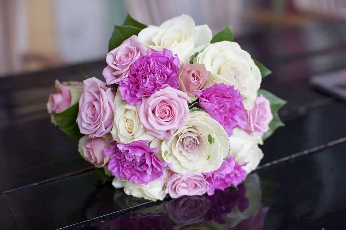 bruidsboeket boeket bloemen huwelijksambtenaar trouwambtenaar trouwen kado