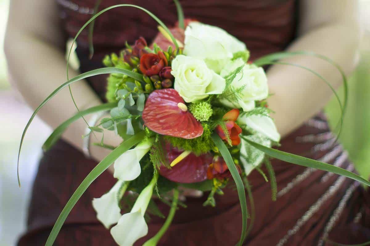 bruidsboeket boeket bruid trouwdag trouwfoto bruidsfotografie