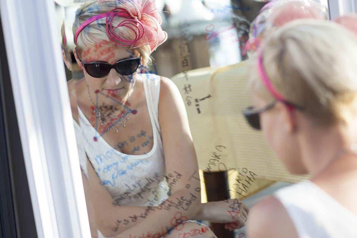 Een origineel kado voor het bruidspaar: een spiegel!