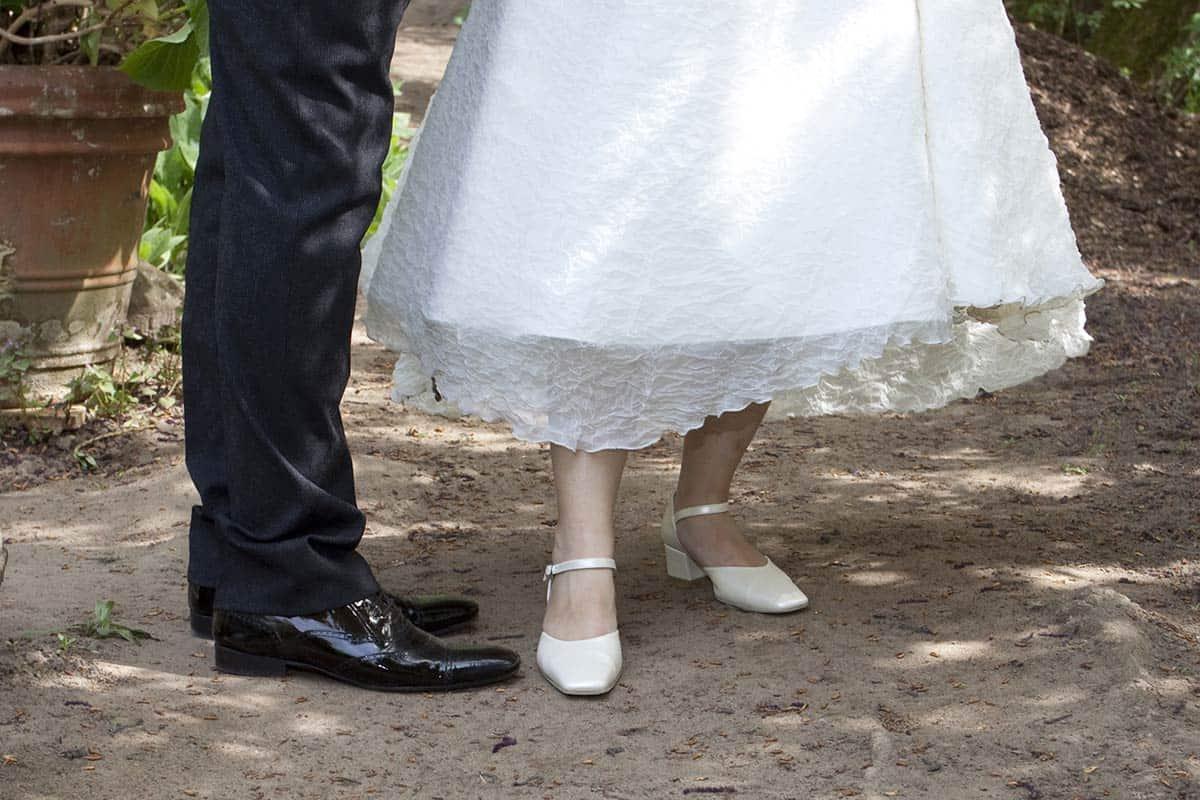 trouwschoenen bruid bruidsfotografie trouwen trouwreportage