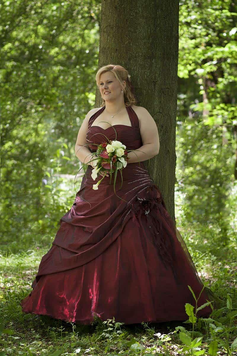 Rode Trouwjurk.Bruid In Rode Trouwjurk Trouwreportages Trouwfoto