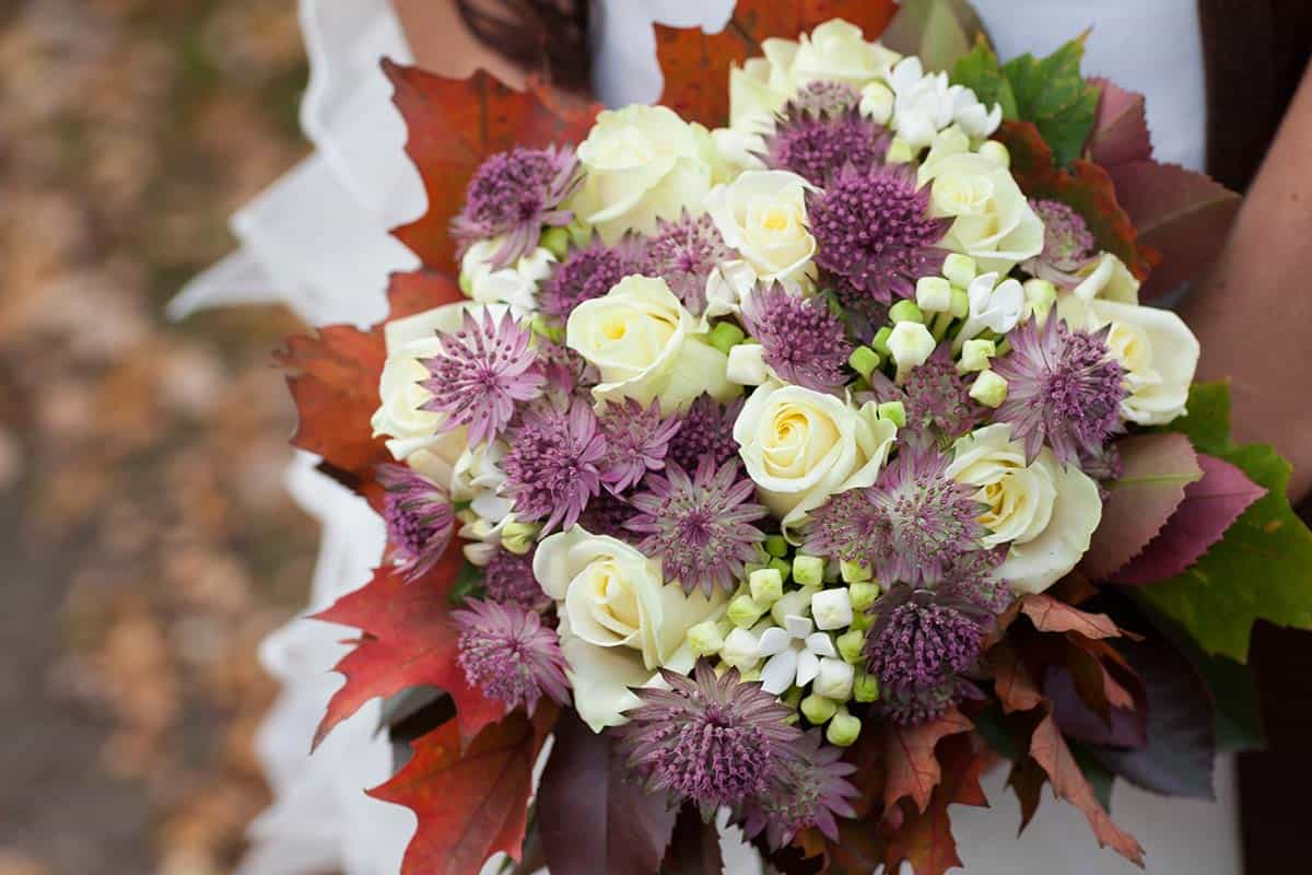 bruidsboeket herfstboeket herfst bloemen herfsttinten trouwreportage
