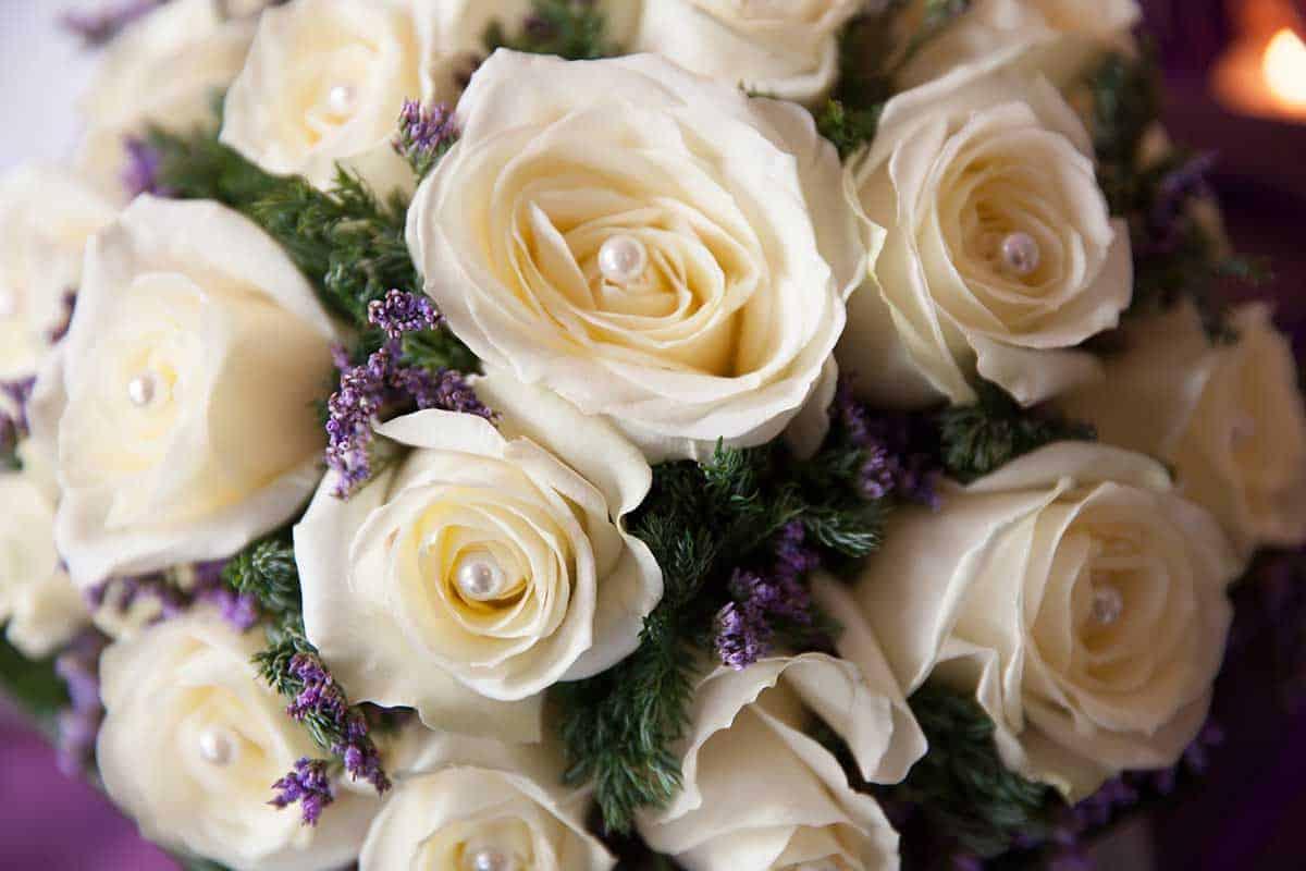 bruidsboeket met rozen trouwen trouwdag