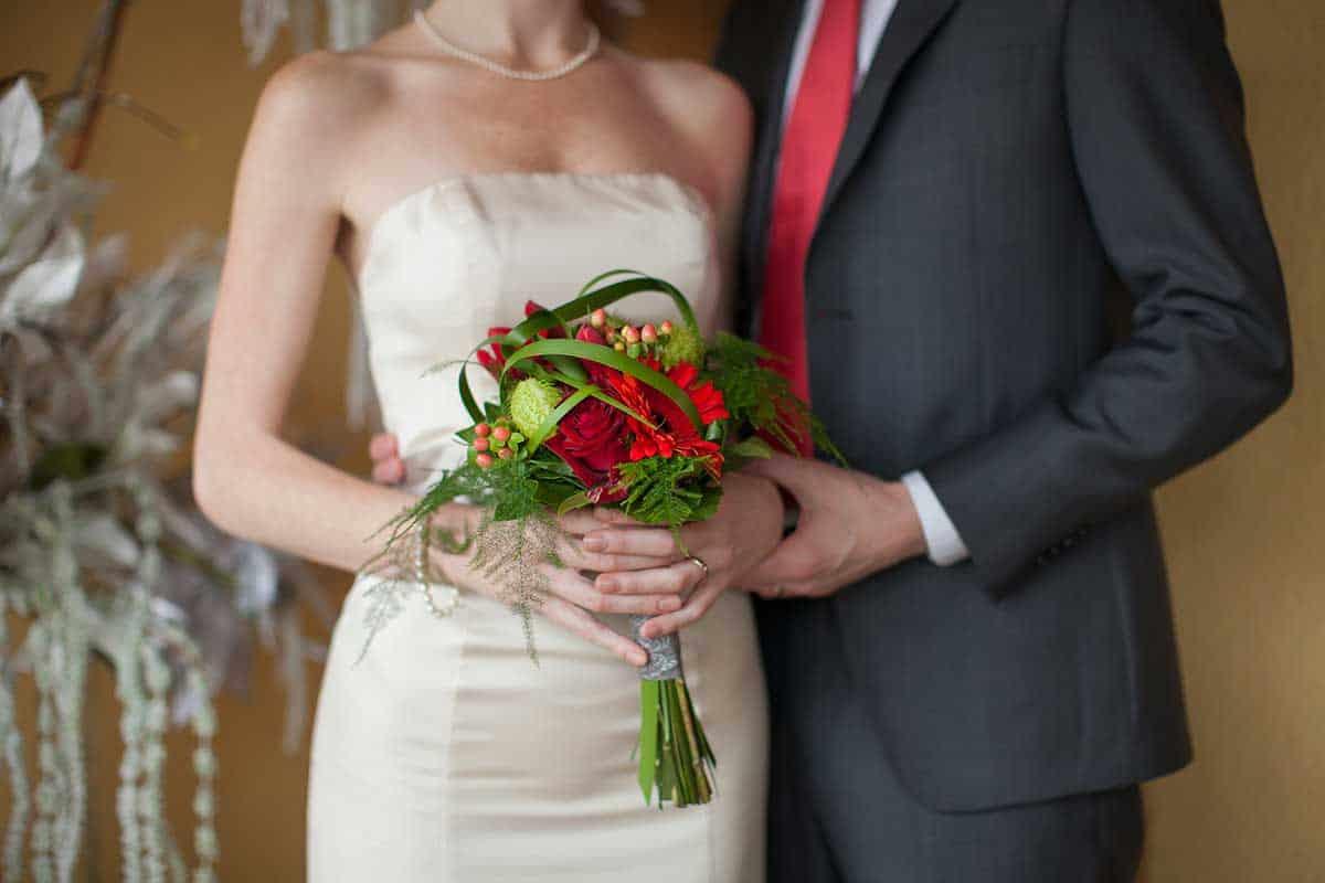 bruidsboeket klein trouwdag trouwfoto trouwen trouwreportage Hoofddorp