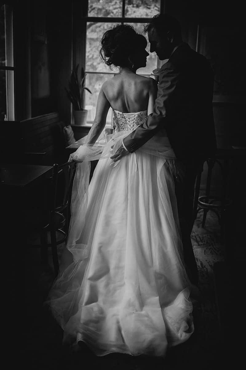 Fotosessie in Café trouwreportage bruidsfotografie