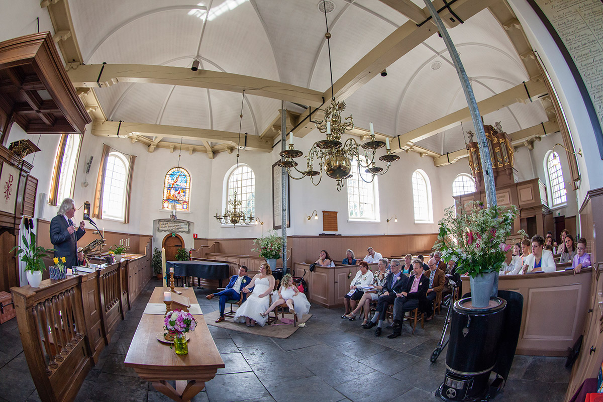 fotografie kerk bruiloft mooie trouwfoto