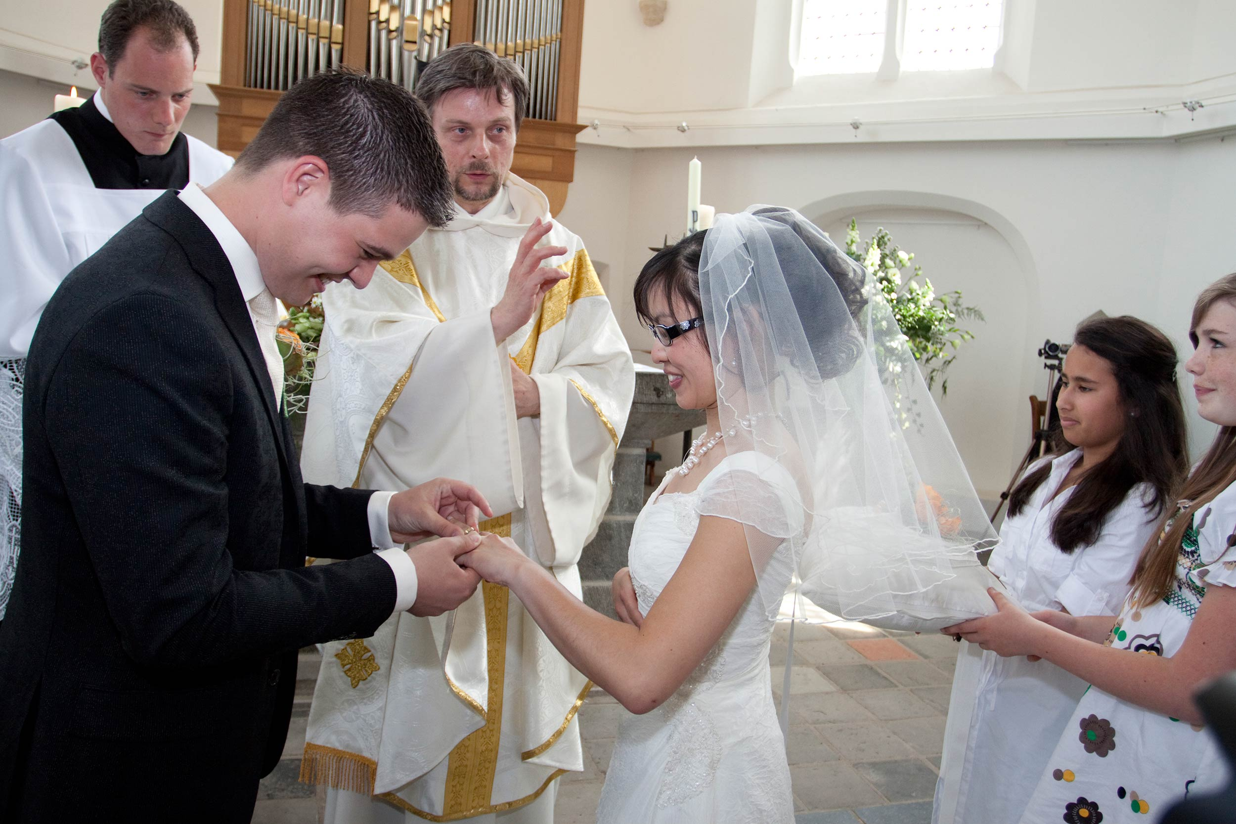 kerk mooie trouwfoto bruidsfotograaf