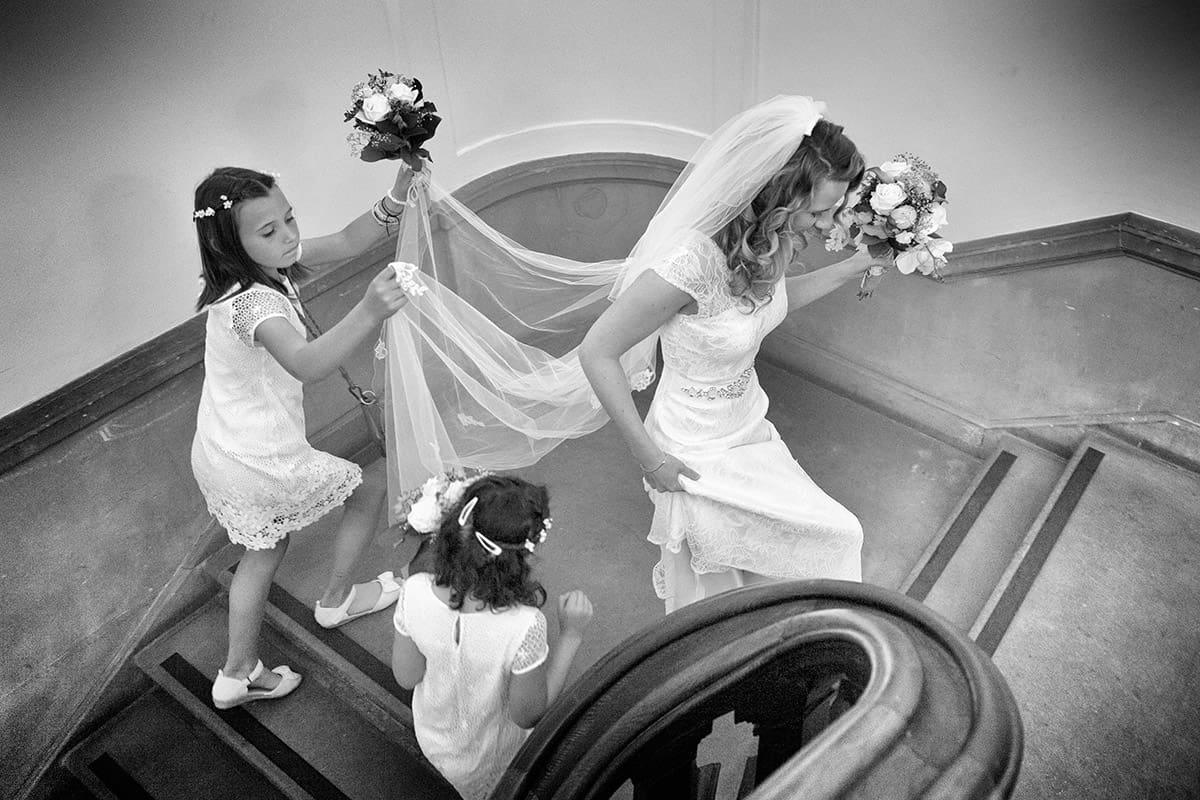 trouwfoto bruid met bruidsmeisjes