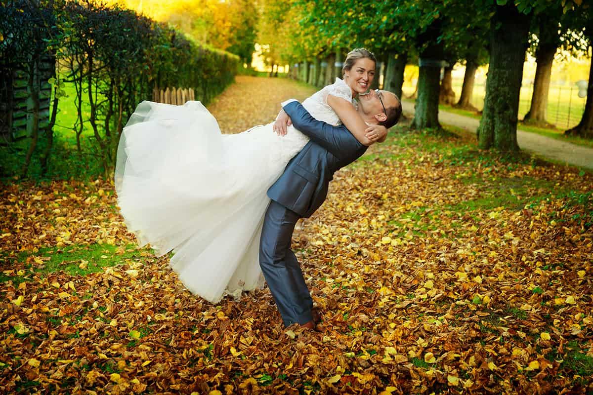 trouwfoto herfst bruidsfotografie