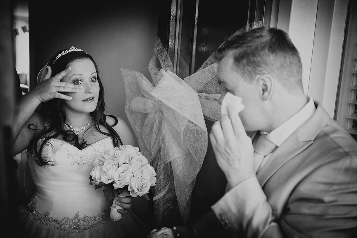 emotie bruidspaar trouwdag